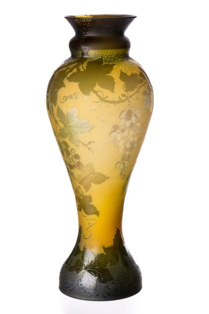 "Vaza tip Galle ""Vinifera"""