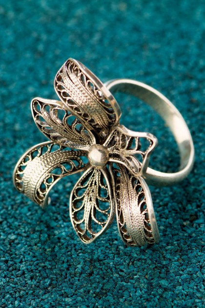 Black Peruvian Orchid - Silver filigree ring