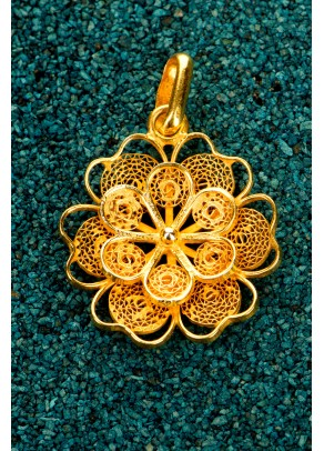 Gold-plated Silver Filigree Pendant - Florecita