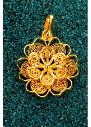 Pandantiv Florecita din filigran de argint placat cu aur