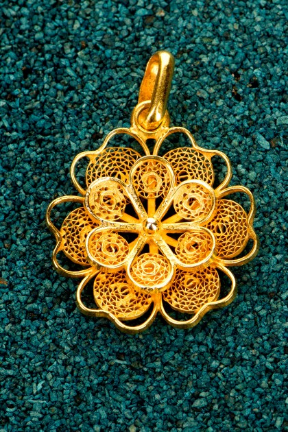 Florecita - Pandantiv din argint placat cu aur