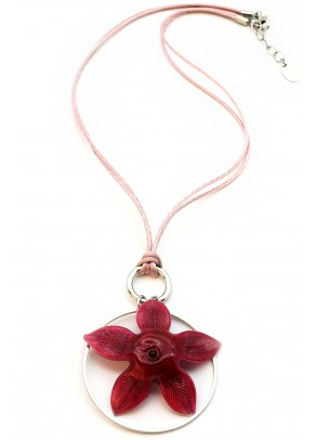 Floare Necklace